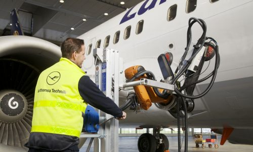 Human-Robot Teaming in Aircraft Maintenance. Credit: Lufthansa Technik AG